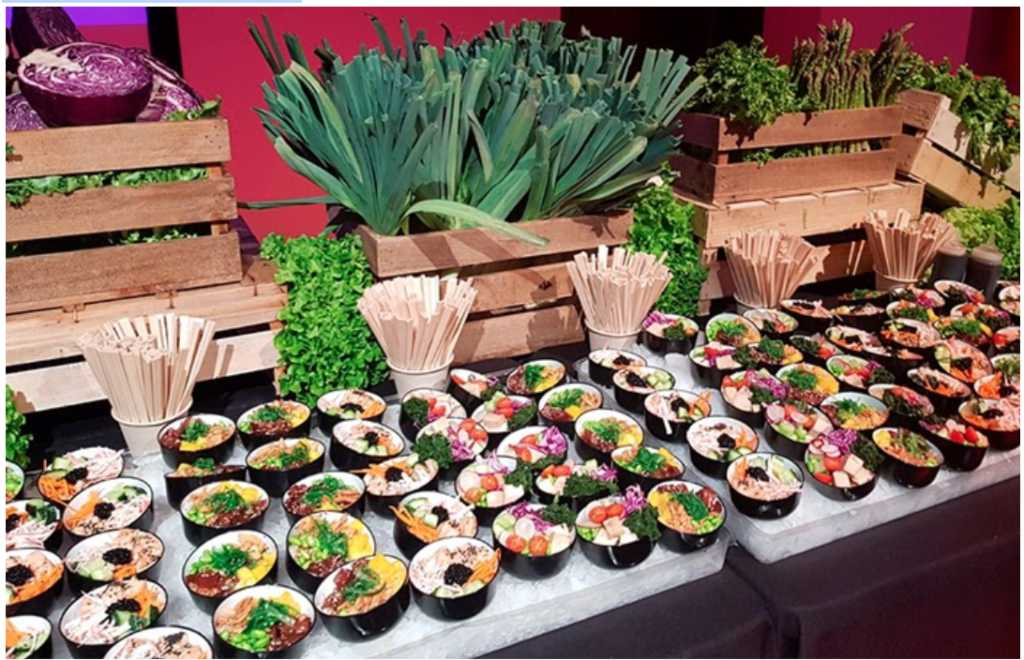 stand canapes mice catering 1